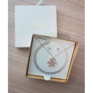 Lovisa Short Necklace and Earrings Snowflake