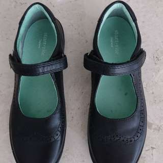 Girls black shoes
