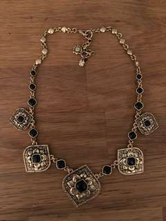 Like new lucky brand jean statement necklace