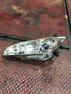 Toyota wish headlamp