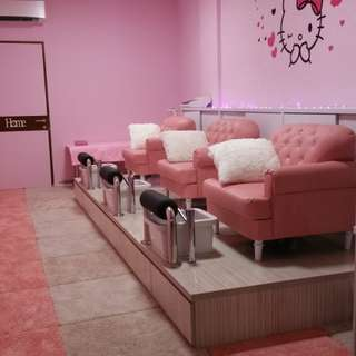 MANICURE NAILS SHOP TAKEOVER