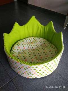 Bed Anjing/Kucing Bulat Crown