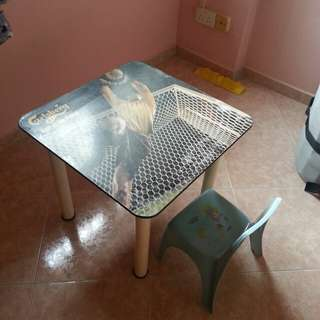 Kid table & chair