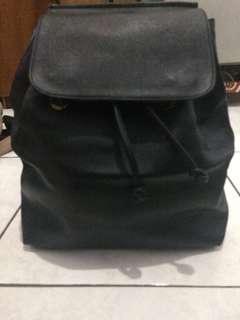 tas ransel hitam