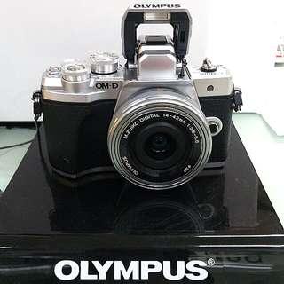 DP 0% Olympus OM-DE M10 III silver Kredit Tanpa.Kartu Kredit Proses 3 menit