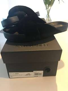 "Tony Bianco ""velvet twist"" black sliders"