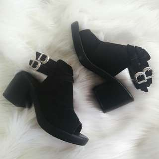 NEW Topshop Buckle Block Heel Sandals