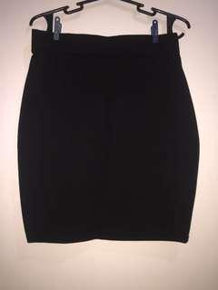 Black skirt (slim fit)