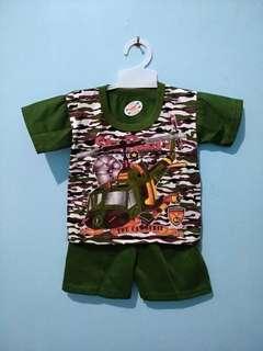 <new> setelan bayi hijau army airborne set celana dan atasan