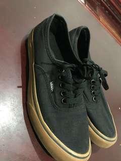 Vans authentic black rubber gum