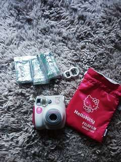 Fujifilm Hello Kitty Instax Mini 7S Bundle