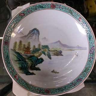 70年代粉彩8吋山水碟