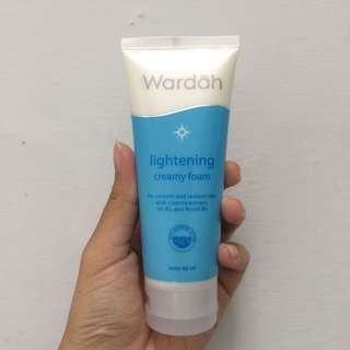 Wardah lightening facial foam