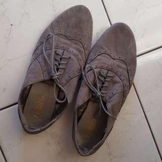 Grey felt Brogue Lace Shoes