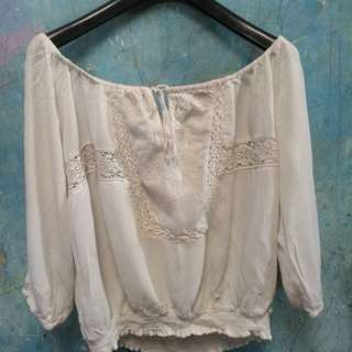 Atasan sabrina blouse