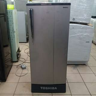 Toshiba one door fridge One month warranty. Body conditions 80%ok Working conditions 100%ok You can call ro SMS/whatsup 01131838436