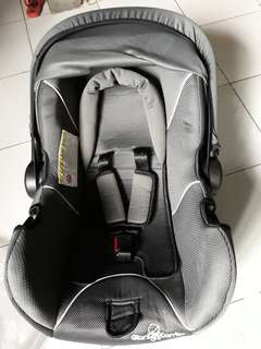 Rocker/car seat (Giant Carrier)