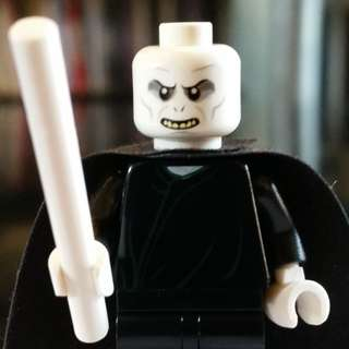 Lego Minifigure Harry Potter Voldemort with cape and wand