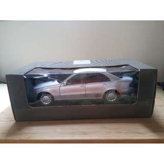 Benz model car E-Class  1/18 1:18 平治 模型車 車仔 die cast model car