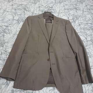 Saba Suit