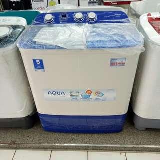 Aqua mesin cuci top loading