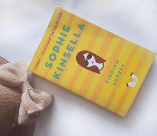 Buku Novel Impor Finding Audrey - Sophie Kinsella