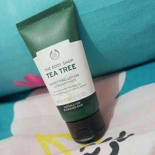 The body shop - moisturizer tea tree