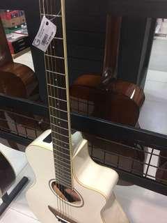 Gitar Yamaha acoustic APX600