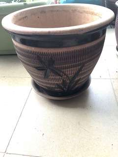Patterned clay pots