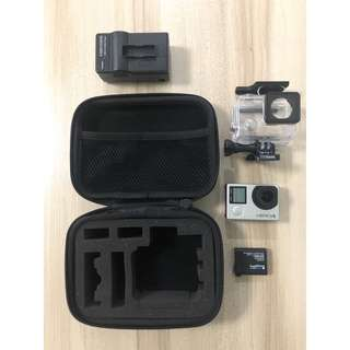 GoPro: Hero 4 - additional accessories included
