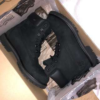 Black timberland boots size 9