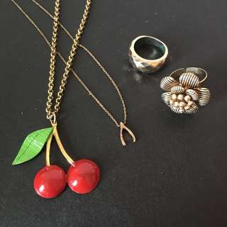 Gold accessory bundle — 2 rings + 2 necklaces