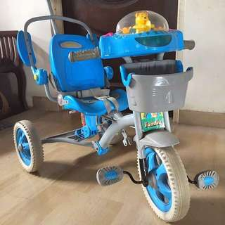 Luxury Easy rider Cutie Bear🐻Tricycle with Keyboard! 🎹 Safety sit belt, adjustable seat, Arm rest & more!!