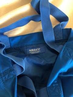 Adidas 藍色斜加手抽兩用袋