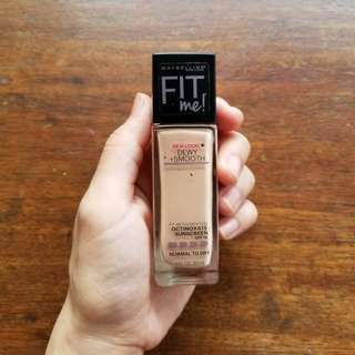 Maybelline Fit Me! Dewy + Smooth 115
