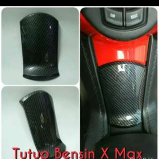 Xmax carbon fuel tank cover