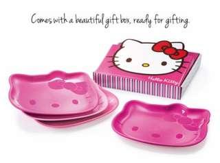 Tupperware Hello Kitty Plates Set