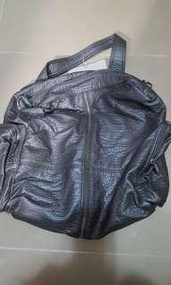全新灰色Mizzue袋, 特$200