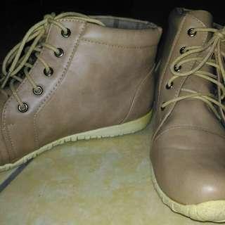 Sepatu boots cardinal