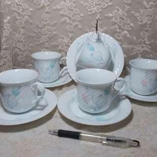 Hoya Fine China Tea Cups