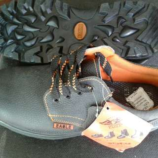 EAGLE SAFETY SHOES