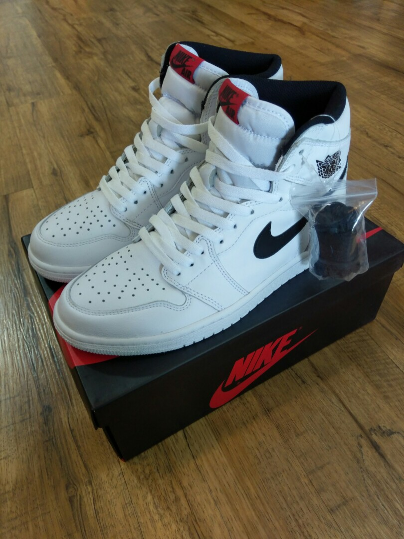 classic fit 9b6bc e404a  210 Nike Air Jordan 1 Retro High OG Yin Yang Ying Yang White US9, Men s  Fashion, Footwear on Carousell