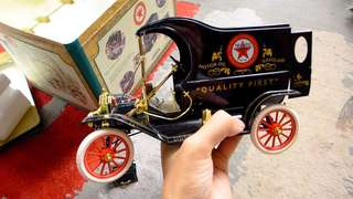 Texaco 1913 Ford Model T delivery truck