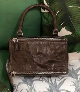 Authentic and Brandnew Givenchy Pandora Small