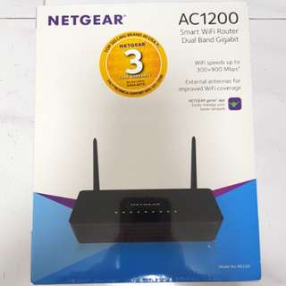 BNIB Wireless router -Netgear AC1200