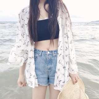 🚚 現貨 中長版薄款罩衫防曬外套寬鬆喇叭袖小碎花雪紡衫防曬衣外搭比基尼罩衫海邊度假休閒披肩碎花開衫女流行