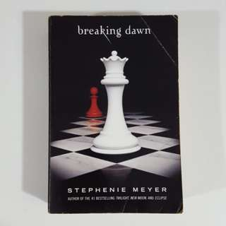Breaking Dawn (Twilight Saga, #4) by Stephenie Meyer