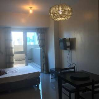 studio unit with balcony axis mandaluyong