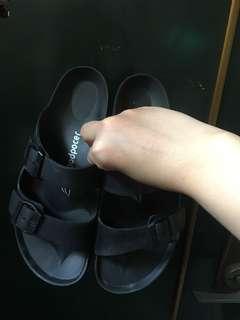 🚚 摩曼頓 類伯肯款式 塑膠製拖鞋  38/25號