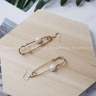 Pearl Pin Earring